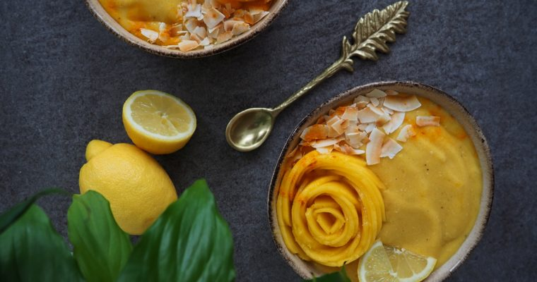 Fruchtige Mango Smoothie Bowl