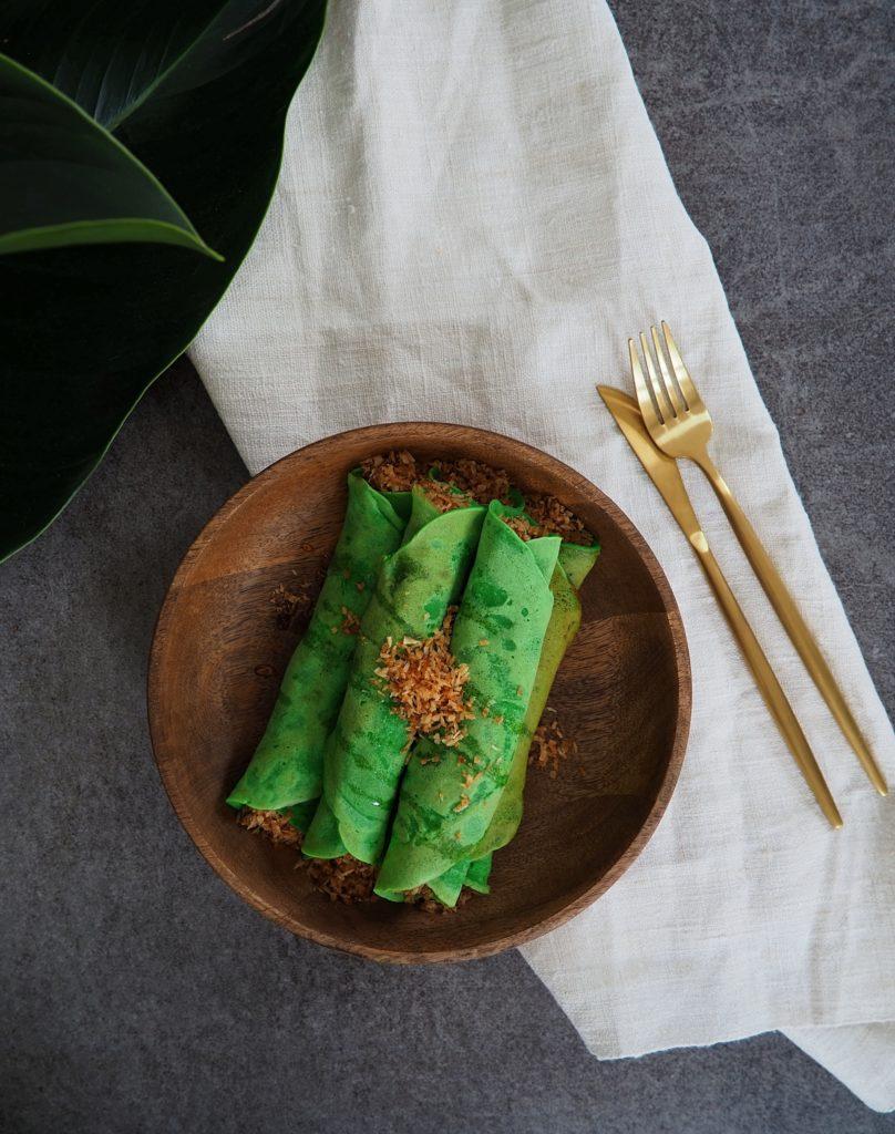 Balinese vegane Pandan Pancakes: farbenfroh, easy zubereitet und unwiderstehlich lecker!